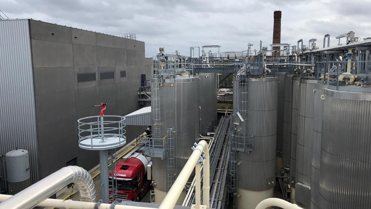 Tankpark Q8 in Antwerpen uitgebreid met drie vast opgestelde blusmonitoren 2
